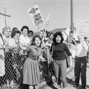 protestors-at-ruby-bridges-school_corbis_be024684